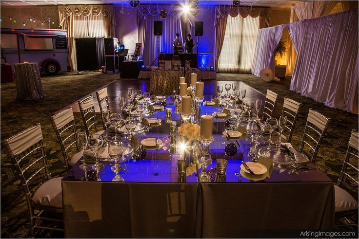 luxeeventlinen_mirroredtable_weddingrental_1
