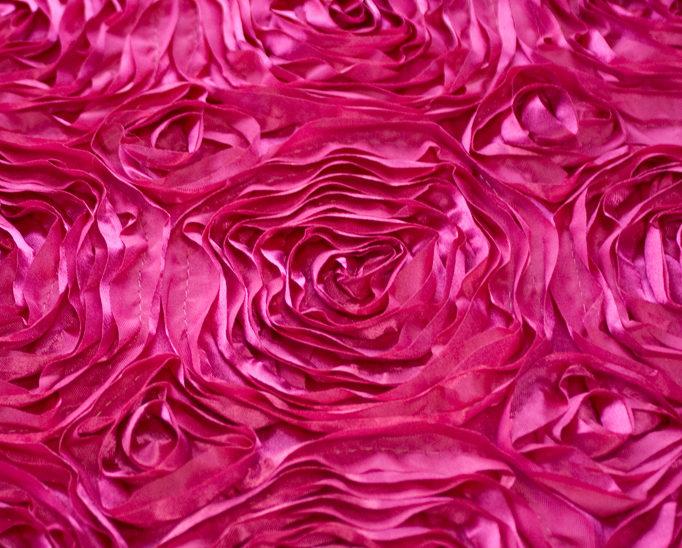 Fuchsia Rosette Runner